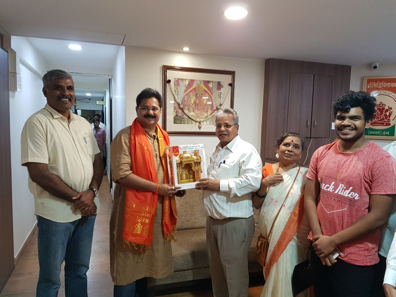 ADESH-BANDEKAR-SANJEEV-PATIL-SIDDHIVINAYAK-TEMPLE